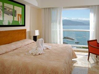 Deluxe Studio at luxurious ocean front resort, Puerto Vallarta