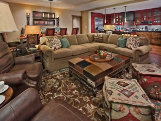 Lone Star -One Steamboat Place- Ski in/Ski out - 4BR, Steamboat Springs
