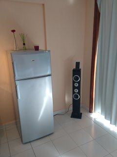 Compact refrigerator freezer and Bluetooth-HiFi!