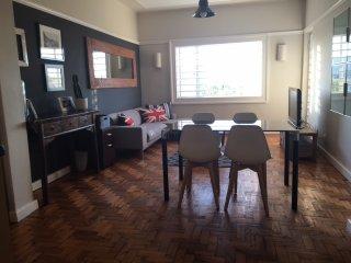 Designer City Apartment with Harbour views & wifi, Kaapstad (centrum)
