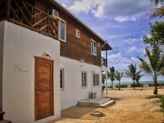 Moonflower: A Seaside Beach Retreat, Placência