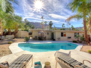 Desert Oasis: Classic Mid Century Modern Home!, Rancho Mirage