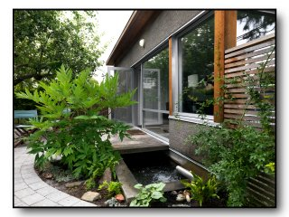 The Best Urban Cottage, Quiet Patio, Garden, Pond