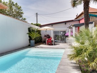 House with an independent studio and a pool, Anglet