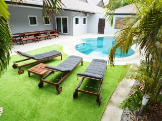 Luxury 6 bed Villa private pool near best beach, Pattaya
