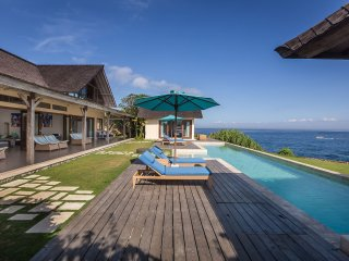 Casa Del Mar - magnificent 3 bedroom villa, Nusa Lembongan