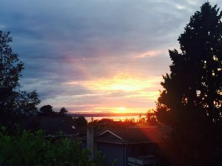 Master suit with stunning view and beautiful deck, Edmonds