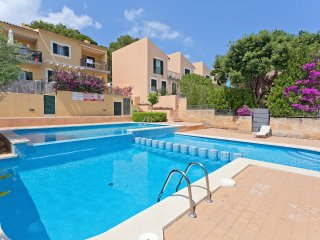 Villa 4 people with shared pool and near the sea, Cala Rajada