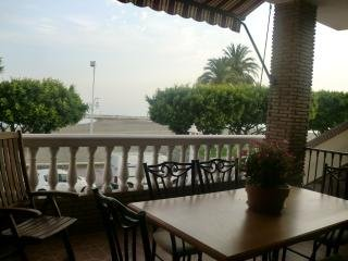 Lovely 1st line apartment on El Palo beach, Malaga