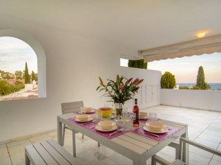 Bahia Real beachfront penthouse with private pool, Elviria