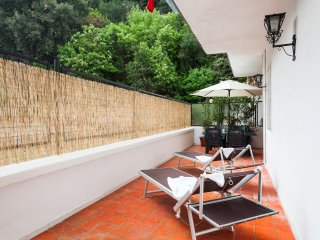 Central Sorrento 2BR apartment 2 bathrooms terrace