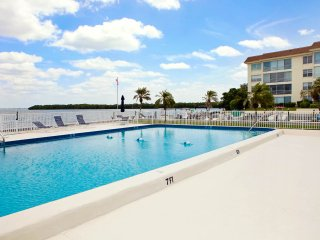 Townhouse with Gulf and Bay Access!
