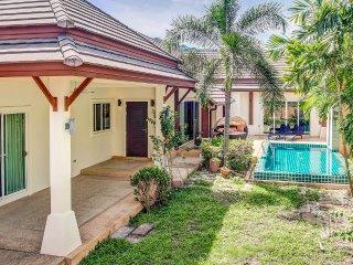 3 BDR Cosy Pool Villa at Nai Harn