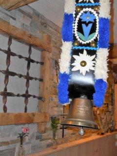 La 'brondina', campana assegnata alla mucca più bella, concorso del 1973