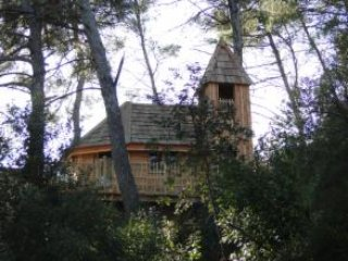 Cabane perchée/pilotis à 5m gr terrasse vu/ pinède, Allauch