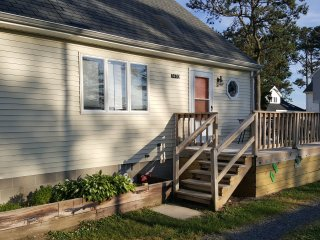 Sea Heart & Soul, Waterfront Views, Pier and Playground at this Park Rental!!!
