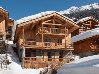 Chalet Alexandria - Catered - Sleeps 8-10