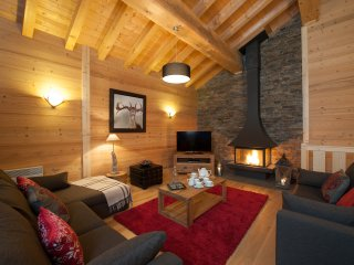 Grand Solliet Luxury Catered Chalet - Sleeps 10