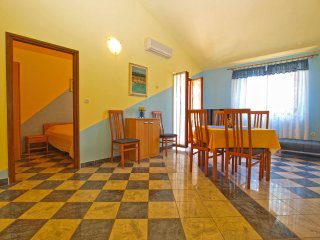 Apartment 9681, Banjole
