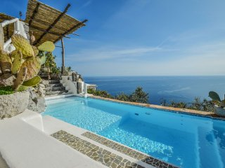 Amalfi Coast luxury Villa del Re, sea view, private pool, terraces, sleeps 8