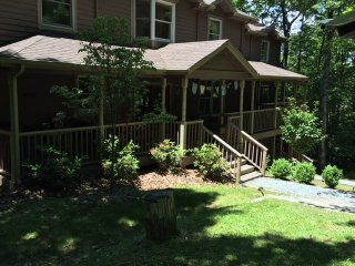Devi YaYa House sleeps 4-24  Partial rentals Avail, Boone