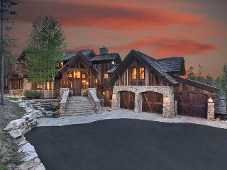 Walk to Mid Station Gondola in this Luxurious Colorado Mountain Chateau
