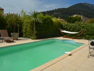 Jolie Maison avec piscine, La Valette-du-Var