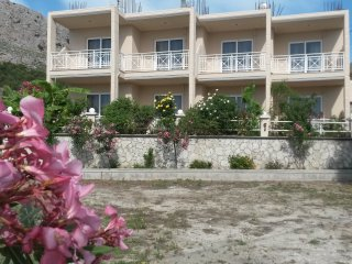 Spacious  family Apartments close to the beach, Stegna