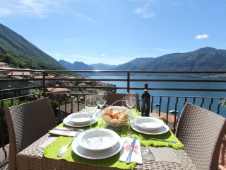 IL SOLE APARTAMENTO facing the lake, Lezzeno