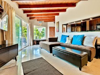 BEST VALUE in SC -Modern 2BR, Large Patio, Ocean Breeze, Amazing Ocean Views!, San Clemente