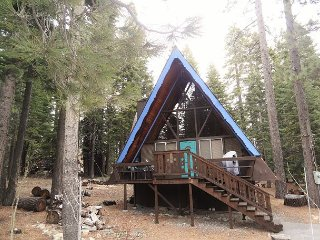 Classic A-Frame Cabin In Peaceful Westshore 2bd/1ba, Homewood