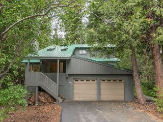 Peaceful Chamberlands Home Close To Serene Meadow For Hiking 4bd/2ba, Homewood