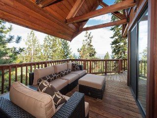 Stunning Lake Views in Dollar Point with HOA Amenities Included 4bd/3.5ba, Tahoe City