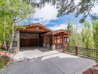 Luxury Tahoe Home with Dollar Point HOA Amenities Included 8bd/6ba, Tahoe City
