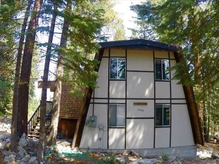 Cabin Style Bungalow In Beautiful Agate Bay 3bd/2ba, Carnelian Bay