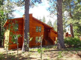 Family Friendly Tahoe Home Close to Beautiful Paige Meadows 3bd/2ba, Tahoe City