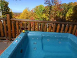 Jan $99 DEAL~~ETERNAL LOVE~~ Honeymoon/Anniversary, Amazing View, Hot Tub, Quiet, Sevierville