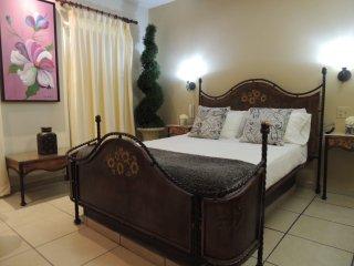 Malaga Room, Toa Baja