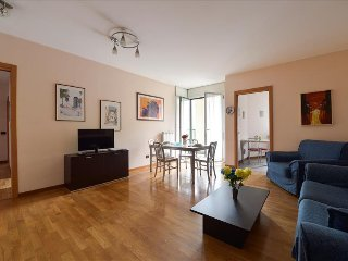 Bright 2bdr apt w/terrace