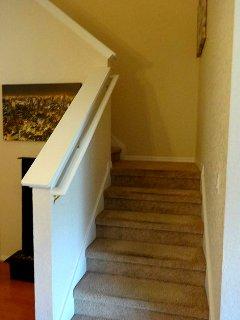 Banister,Handrail,Staircase,Molding,Hardwood
