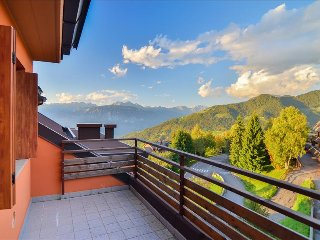 Bright studio apt w/lake view, Montecampione