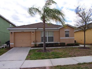 Economical OLDER 4BR 3Bath pool home game room 7 miles to Disney from $80/night