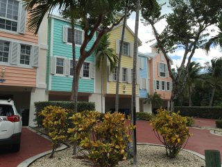 Brand New 3 Bedroom 3 1/2 bathroom Townhome, Key Largo