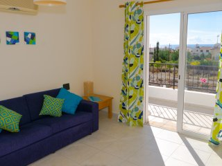 Enjoy sea views and private roof terrace in Peyia