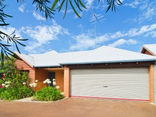 1/1 LeCaille Court Dunsborough