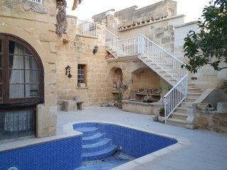Converted Palazzo with Pool Rabat Gozo(Sleeps 20), Fontana