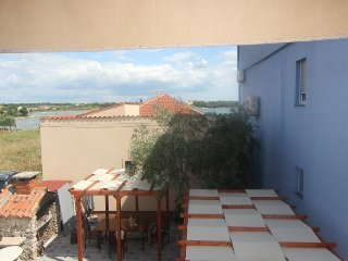 Apartment Kulina,only 40 m from private beach, Privlaka
