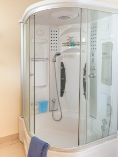 Shower Barrow room