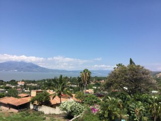 Panoramic lake view, luxury home, heated pool, Ajijic
