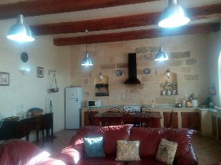 Te Gemma Farmhouse Nadur Gozo (Sleeps 16)with POOL